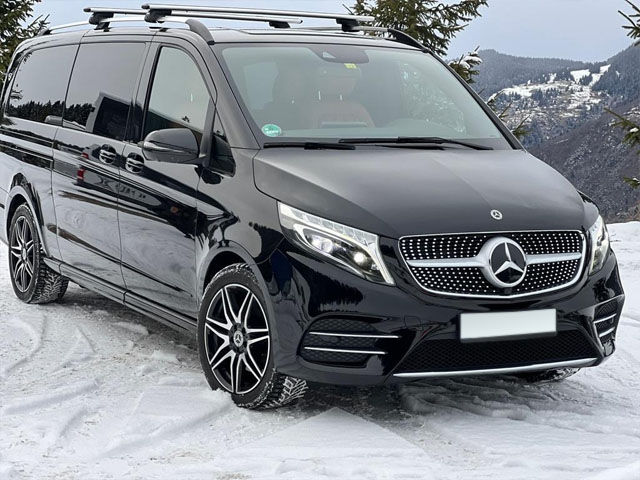 Booking and rental minivan, minibus, VAN 7-seats and its delivery to the Bresso airport