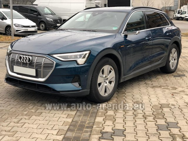 Hire and delivery to the Milan Central Train Station the car Audi e-tron 55 quattro (electric car)