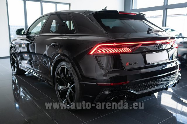 Hire and delivery to the Bresso airport the car Audi RS Q8