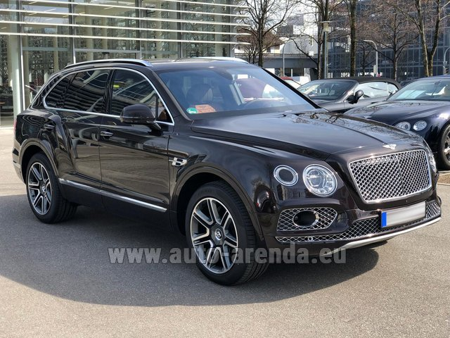 Rental Bentley Bentayga 6.0 Black in Milano Lombardia