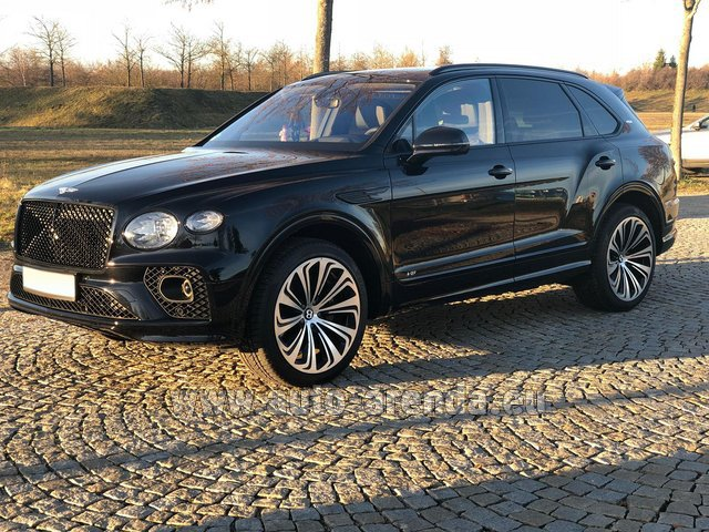 Hire and delivery to the Milan Central Train Station the car Bentley Bentayga V8 new Model 2021