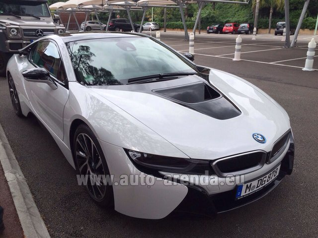 Rental BMW i8 Coupe Pure Impulse in Milano Lombardia