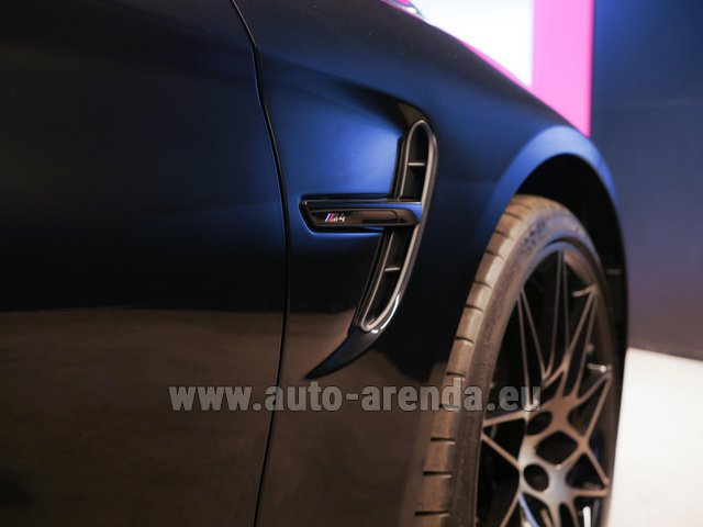 Rental BMW M4 Cabrio Performance Individual in Milano Lombardia