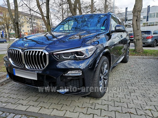Rental BMW X5 xDrive 30d in Milano Lombardia