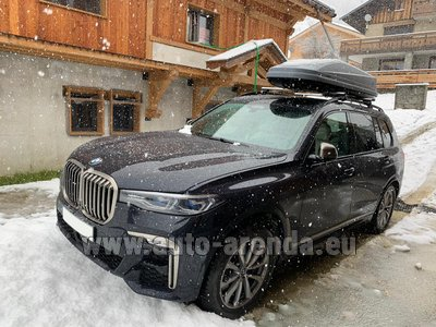 BMW X7 M50d (1+6 pax) car for transfers from airports and cities in Germany and Europe.