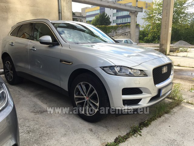 Hire and delivery to the Milano Linate airport (LIN) the car Jaguar F-Pace