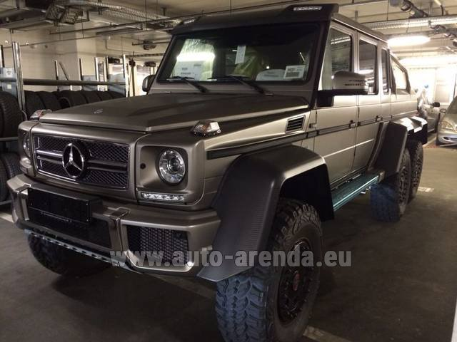 Rental Mercedes-Benz 6x6 AMG 6.3 in Milano Lombardia
