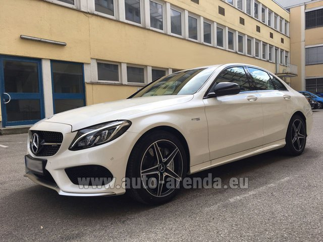 Hire and delivery to the Milano Linate airport (LIN) the car Mercedes-Benz C-Class C43 AMG Biturbo 4MATIC White