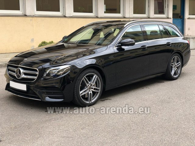 Hire and delivery to the Milano Linate airport (LIN) the car Mercedes-Benz E 450 4MATIC T-Model AMG equipment