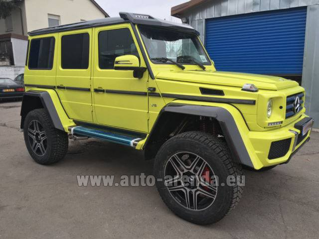 Rental Mercedes-Benz G 500 4x4 Yellow in Milano Lombardia