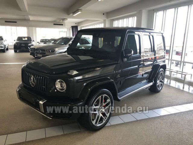 Rental Mercedes-Benz G63 AMG V8 biturbo in Milano Lombardia