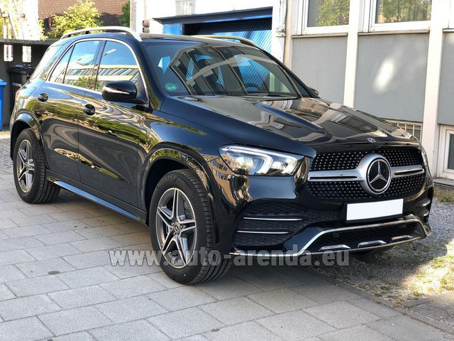 Прокат и доставка в аэропорт Милана Мальпенса авто Мерседес-Бенц GLE 400 4Matic AMG комплектация