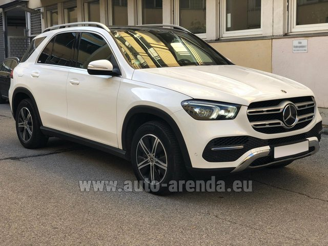 Прокат Мерседес-Бенц GLE 350 4Matic AMG комплектация в Милане в Ломбардии