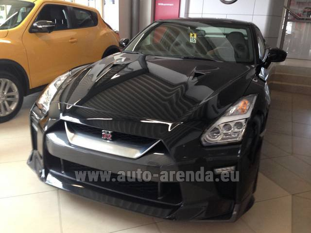 Hire and delivery to the Bresso airport the car Nissan GTR