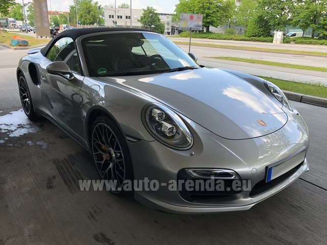 Hire and delivery to the Bresso airport the car Porsche 911 991 Turbo S
