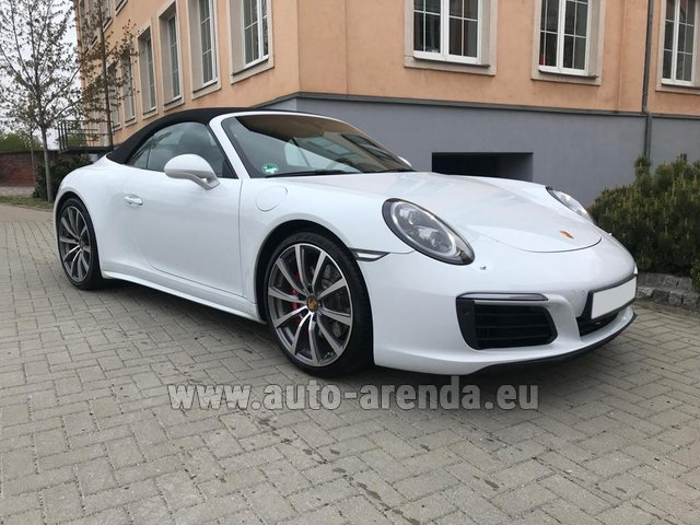 Hire and delivery to the Bresso airport the car Porsche 911 Carrera 4S Cabrio