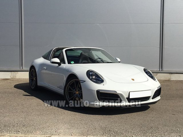 Hire and delivery to the Bresso airport the car Porsche 911 Targa 4S White