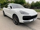 Rent-a-car Porsche Cayenne Turbo V8 550 hp with its delivery to the Bresso airport, photo 2