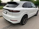 Rent-a-car Porsche Cayenne Turbo V8 550 hp with its delivery to the Bresso airport, photo 4