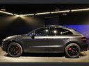 Rent-a-car Porsche Macan Turbo Performance Package LED Sportabgas with its delivery to the Milano-Malpensa airport, photo 9