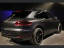 Rent-a-car Porsche Macan Turbo Performance Package LED Sportabgas with its delivery to the Milano-Malpensa airport, photo 8