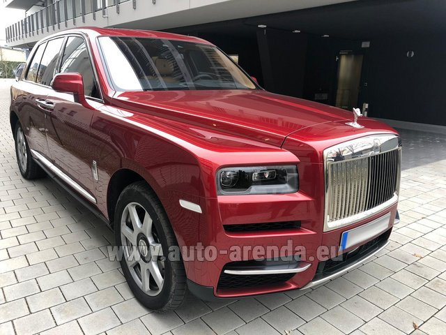 Hire and delivery to the Milano Linate airport (LIN) the car Rolls-Royce Cullinan
