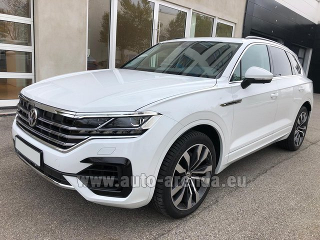 Hire and delivery to the Milan Central Train Station the car Volkswagen Touareg 3.0 TDI R-Line