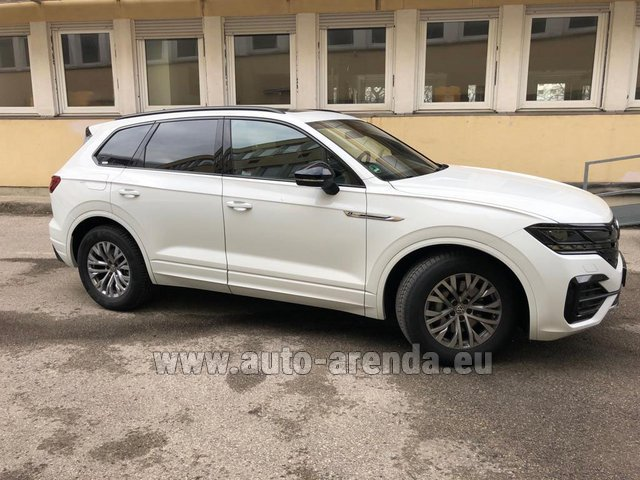 Hire and delivery to the Milan Central Train Station the car Volkswagen Touareg R-Line