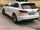 Rent-a-car Volkswagen Touareg R-Line in Milano Lombardia, photo 4